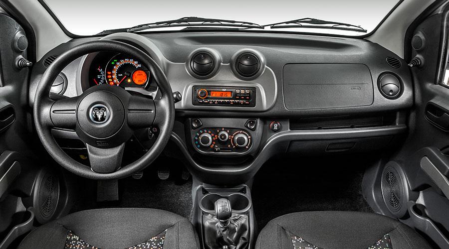 RAM ProMaster Rapid 2017 en México interior Radio CD MP3 y aire acondicionado