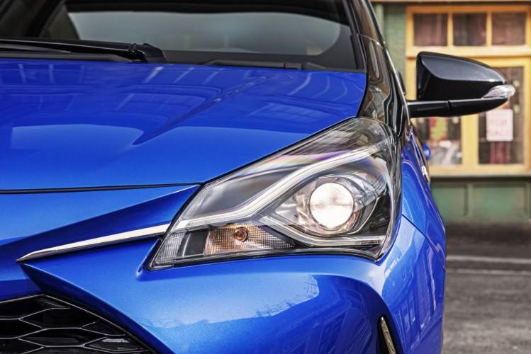 Toyota Yaris 2018 nuevos faros frontales