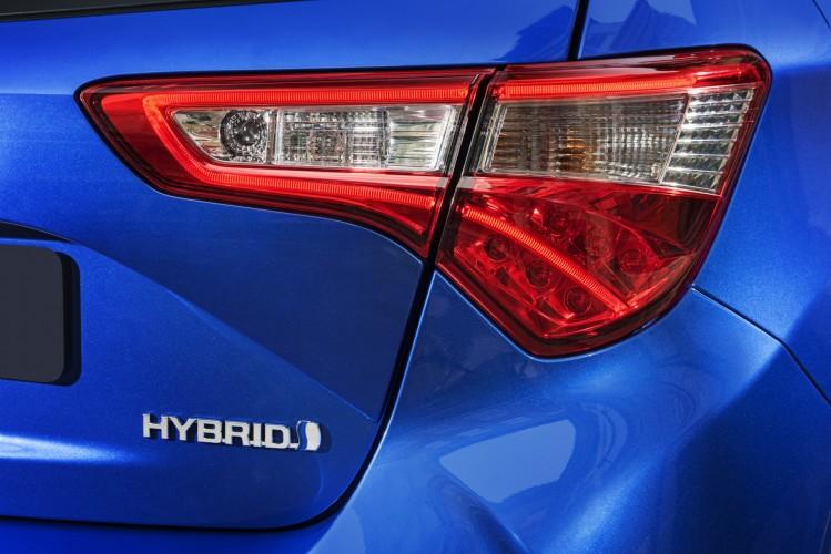 Toyota Yaris 2018 nuevos faros traseros