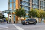 GMC Terrain 2018 color negro en calle