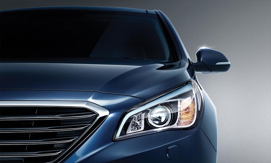 Hyundai Sonata 2017 en México parrilla frontal y faros LED