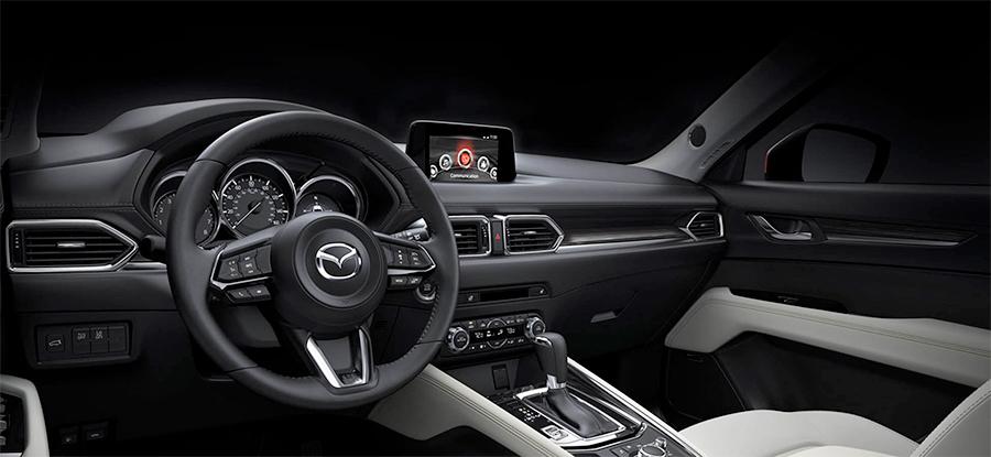Mazda CX-5 en México con MAzda Connect de 7 pulgadas, navegación bluetooth y consola central con controles