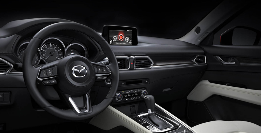 Mazda CX-5 2018  en México interior pantalla touch y asientos de piel