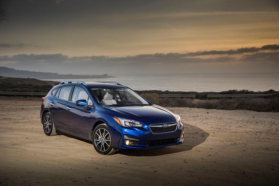 Subaru Impreza 2017 en México, exterior color azul hatchback