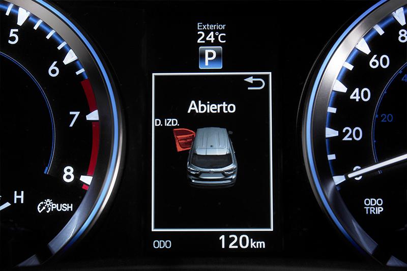 Toyota Highlander 2017 en México interiores pantalla  touch a color con clúster con pantalla a color