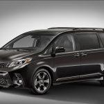 Toyota Sienna 2018 y Yaris 2018 se presentan renovados previo a Nueva York