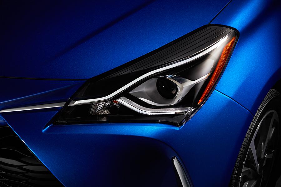 Toyota Yaris 2018 nuevo frontal faros LED