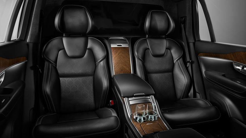 Volvo XC90 Excellence 2017 en México asientos lujosos con detalles Excellence y vasos exclusivos