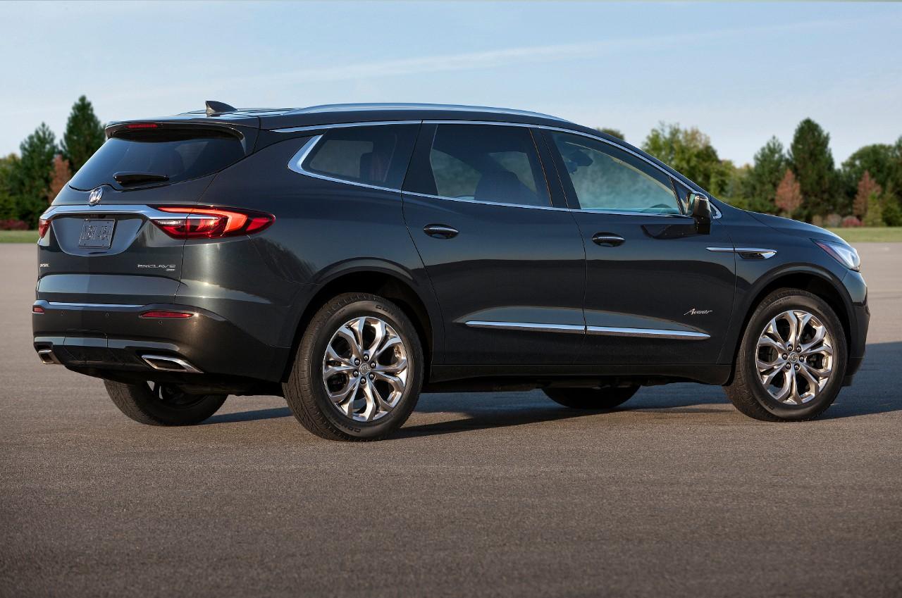 Buick  Enclave Avenir 2018  nuevo diseño lateral