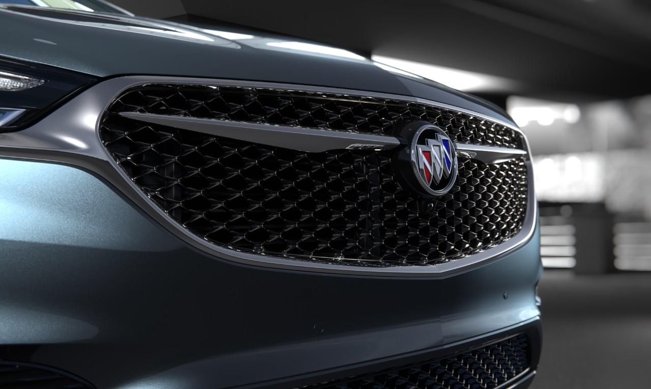 Buick Enclave Avenir 2018 nuevo frente parrilla