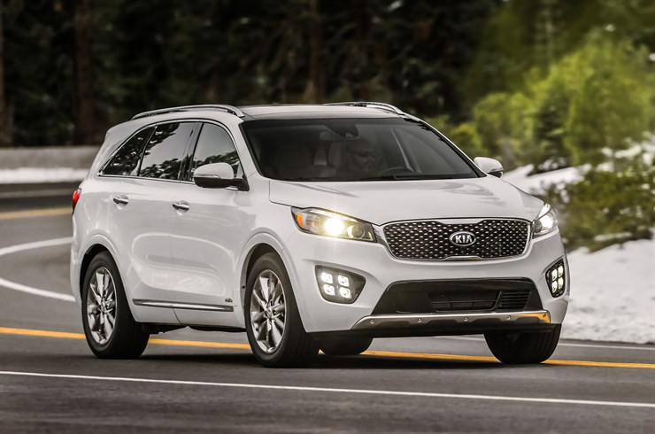 Kia Sorento 2018 en México color blanco carretera luces LED