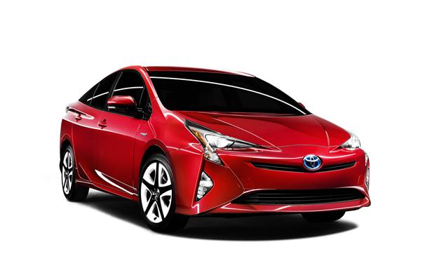 Toyota manda llamar a revisión a Prius 2016
