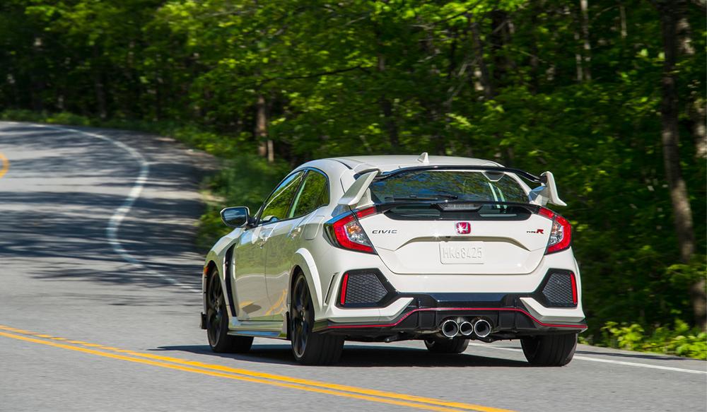 El Honda Civic Type R 2017 posterior