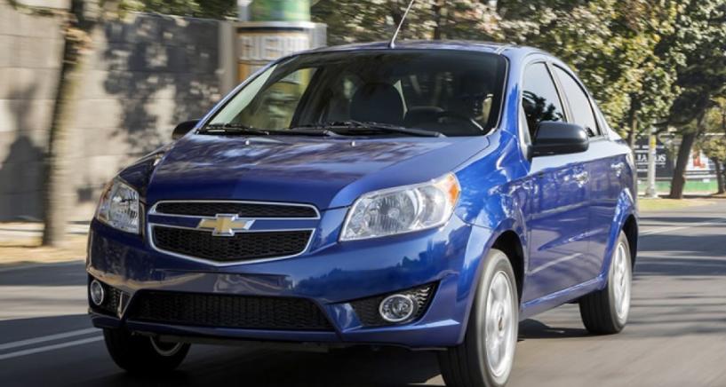 Chevrolet Aveo 2018 azul