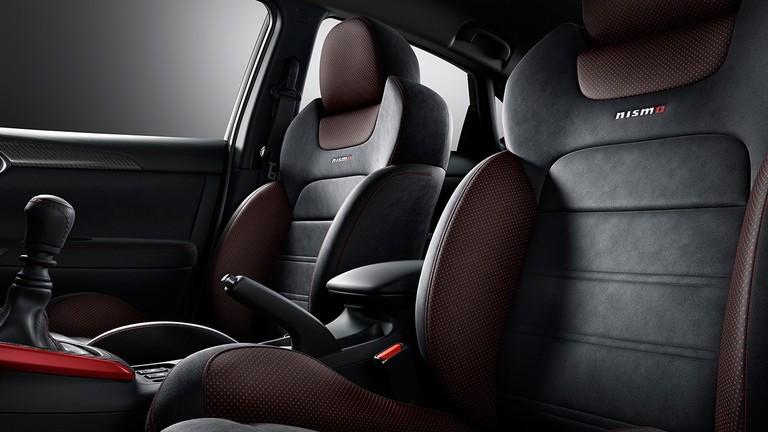 Nissan Sentra Nismo interior