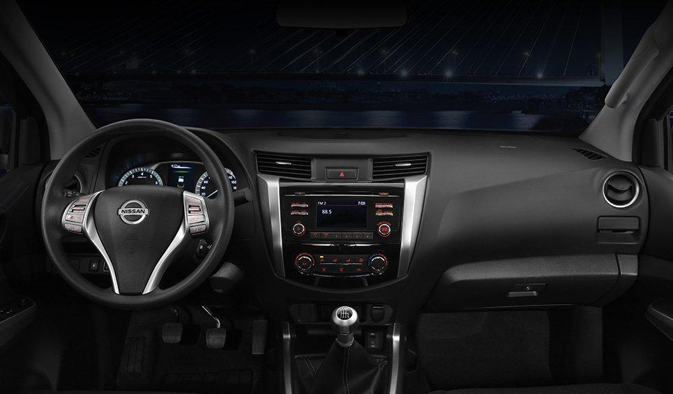 Nissan NP300 Frontier 2018 tablero - Autos Actual México