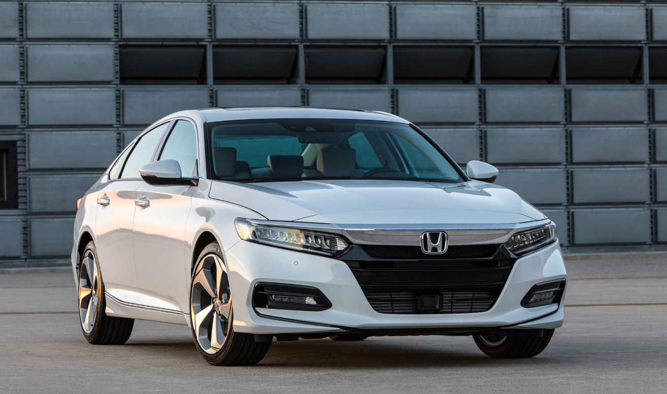 Honda Accord 2018 de frente color blanco