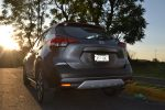 Prueba Nissan Kicks 2017 en calle posterior