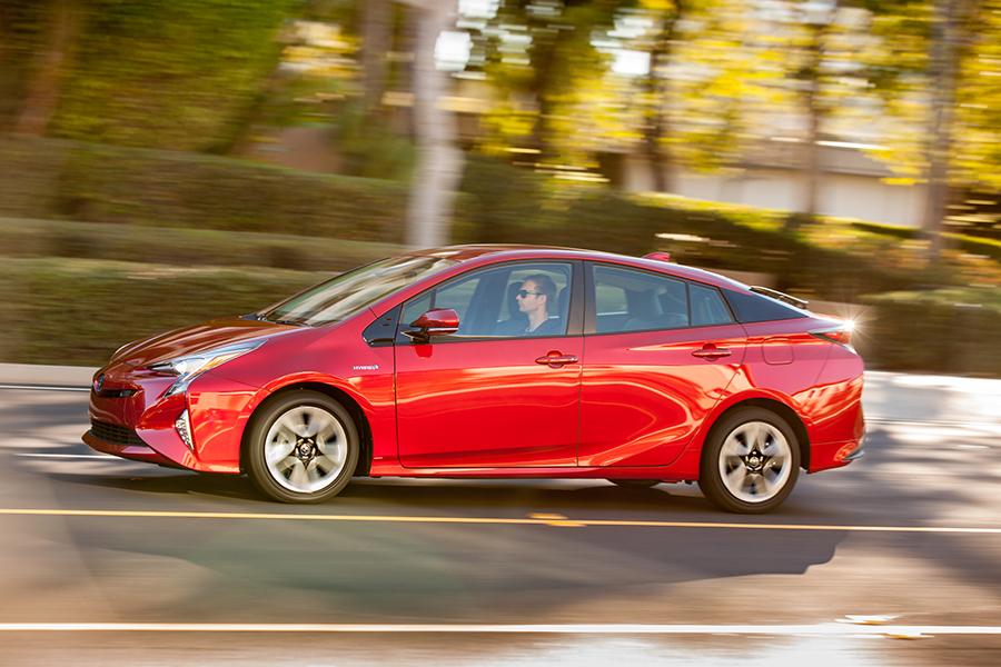 Nuevo Toyota Prius 2017 color rojo