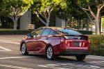 Nuevo Toyota Prius 2017 color rojo posterior