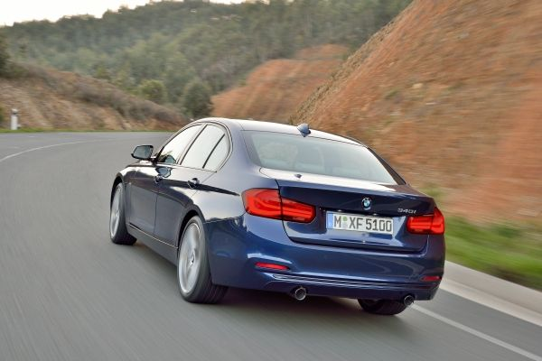 BMW 318iA 2018 posterior