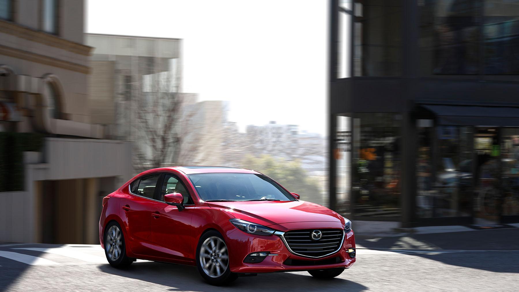 Mazda 3 2018 sedán en México color rojo frente