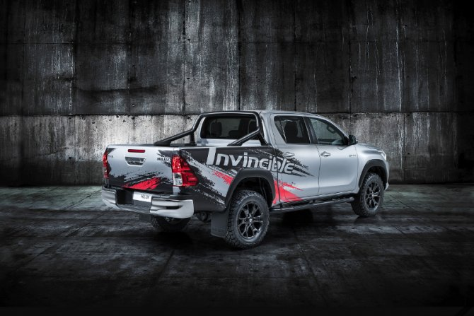 Toyota Hilux Invincible 50