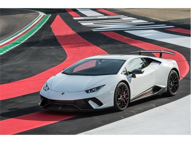Lamborghini Huracán Performante blanco