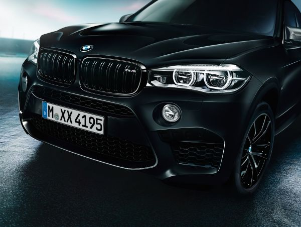 BMW X5 M y X6 M Edition Black Fire frente