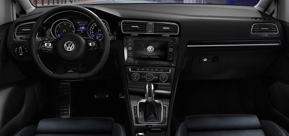 Volkswagen Golf R 2018 interior
