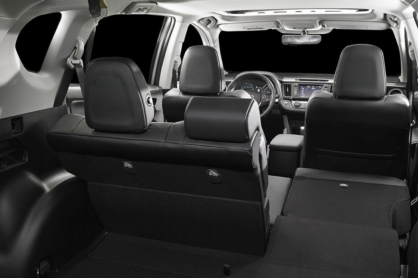 Toyota RAV4 2018 compartimiento trasero