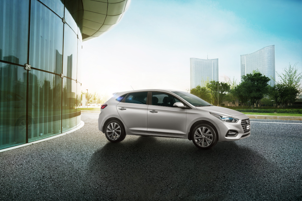 Hyundai Accent Hatchback 2018 México estacionado lateral
