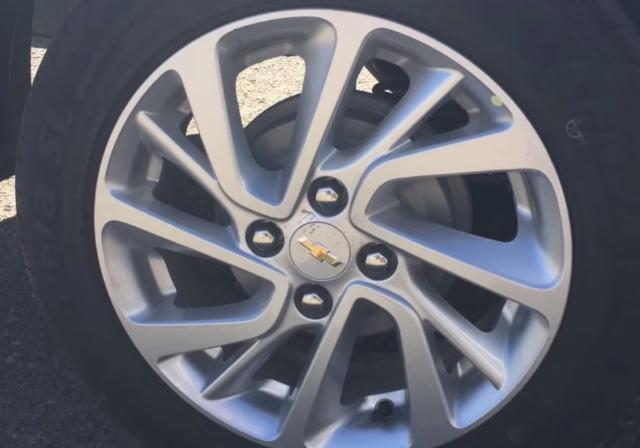 Este es el Chevrolet Aveo 2019 para México rines aluminio