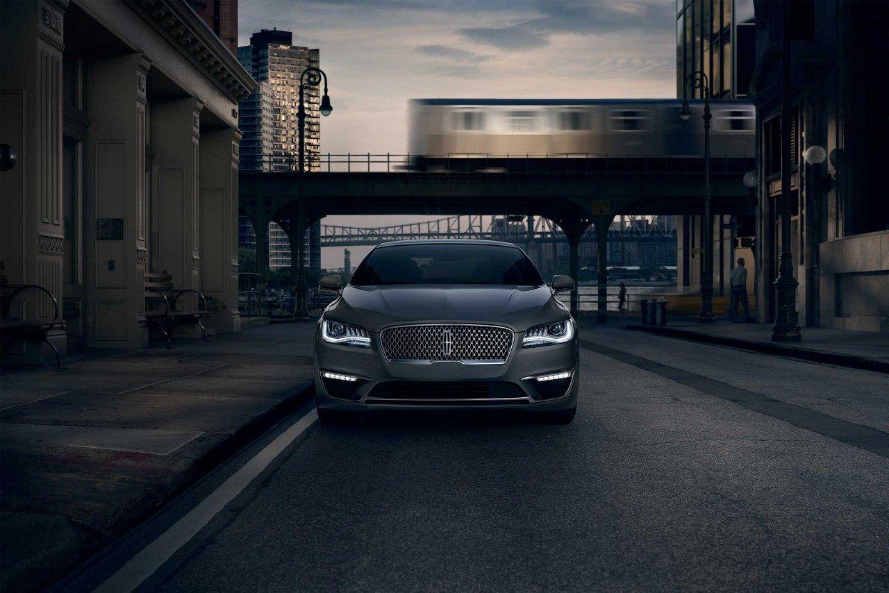 Lincoln MKZ Hybrid frontal