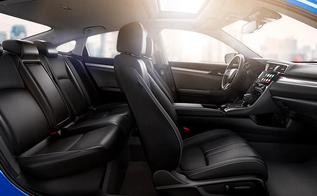 Honda Civic 2018 en México, interior con asientos en piel