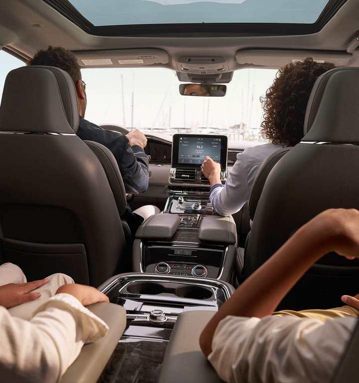 Lincoln Navigator 2018 México interior con pantalla de 12 pulgadas Android Auto y Apple CarPlay - Navegación GPS y SYNC
