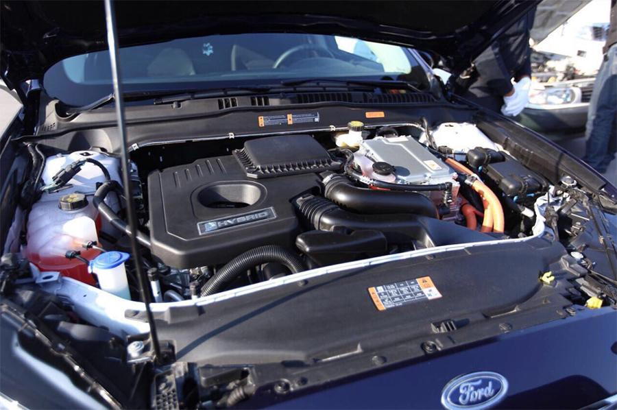 Patrulla para la CDMX Ford Fusion híbrido