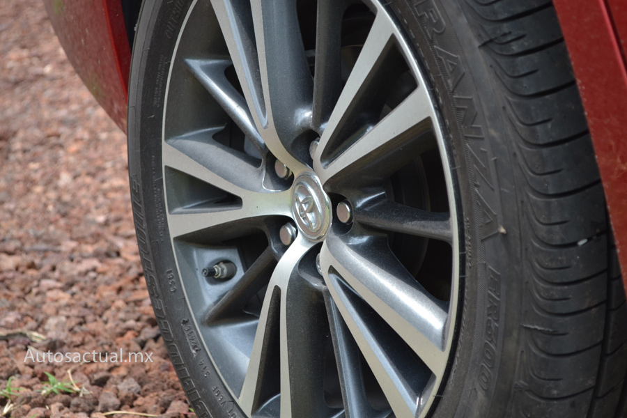 Toyota Corolla 2018 rines