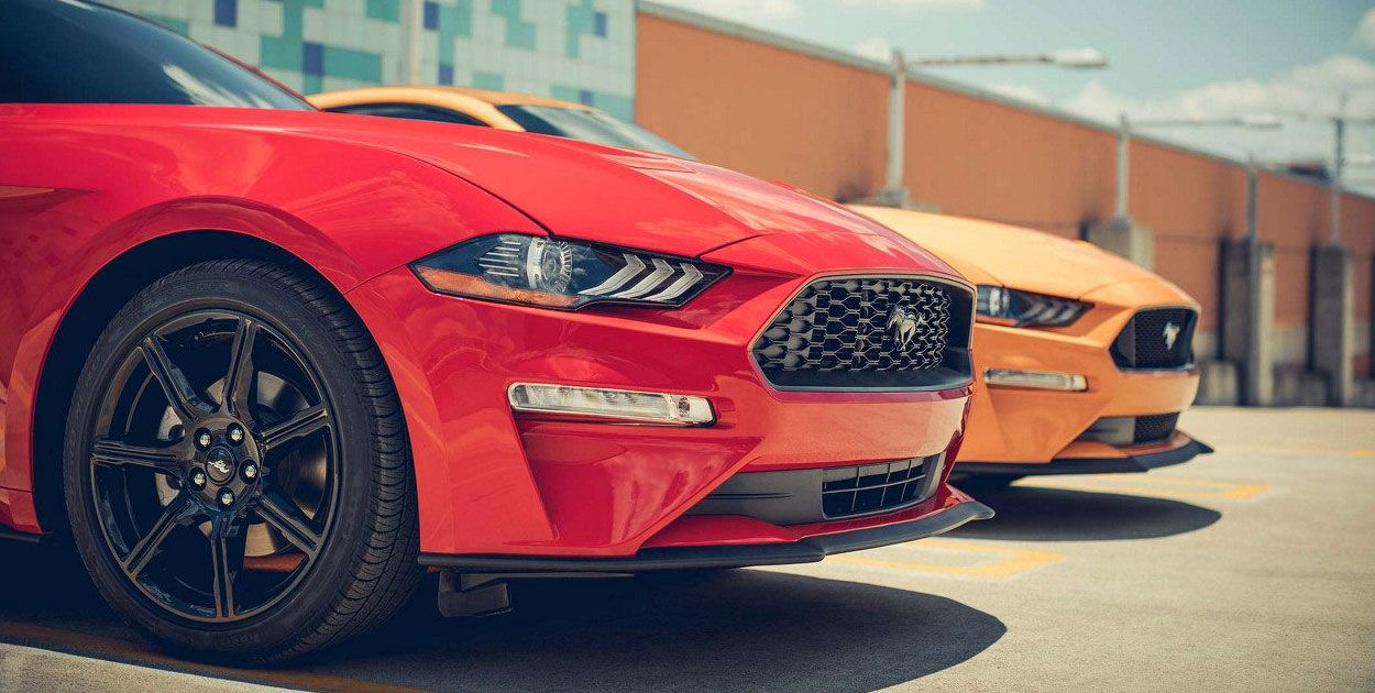 Ford Mustang 2018 perfil frontal