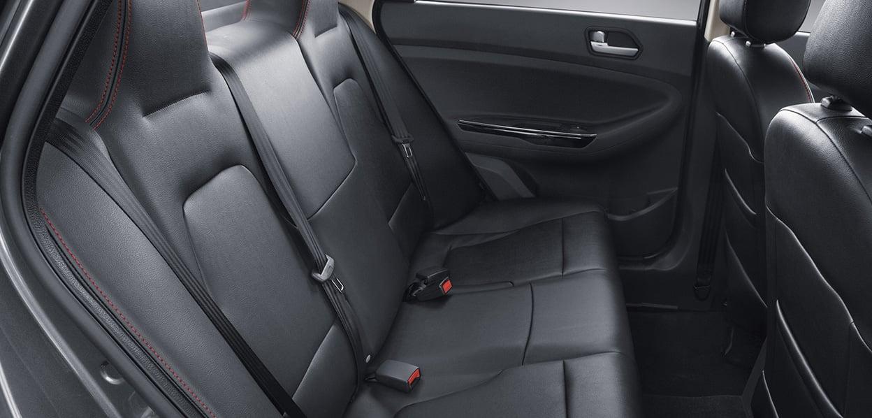 JAC J4 interior asientos de piel 2018 en México