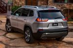 Jeep Cherokee 2019 color plata posterior