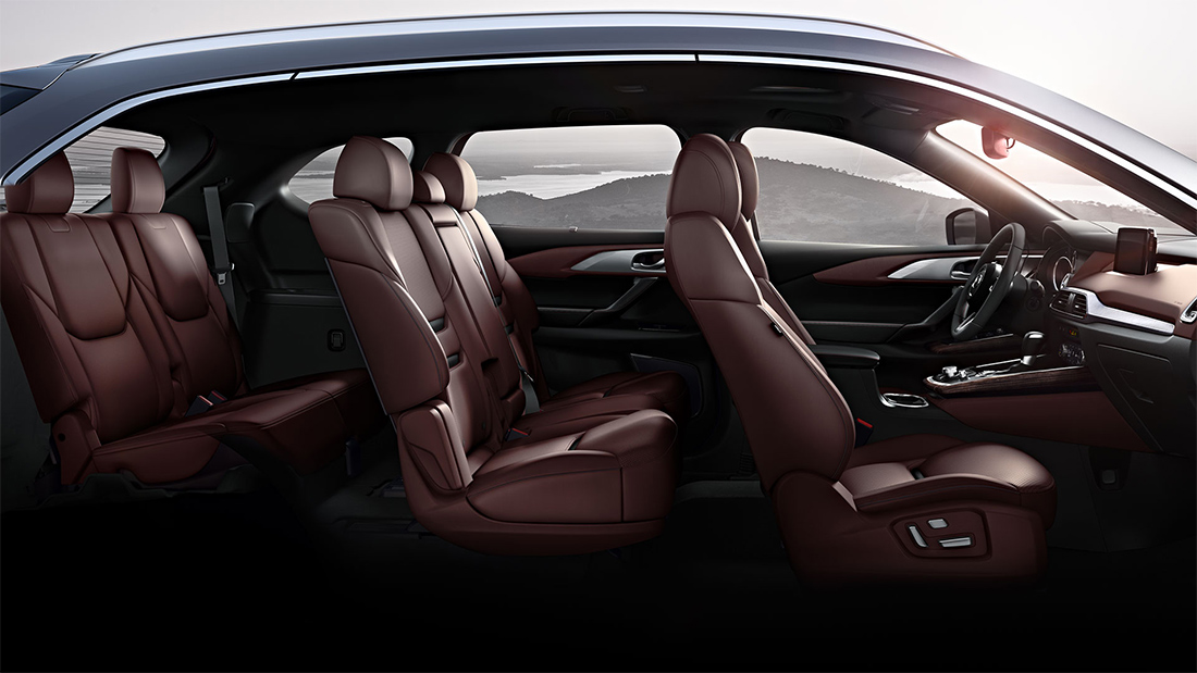Mazda CX-9 Signature 2018 en México interiores de lujo vista lateral