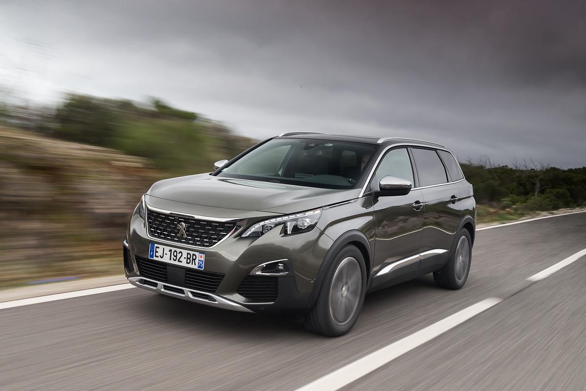 Peugeot 5008 2019 para México color gris