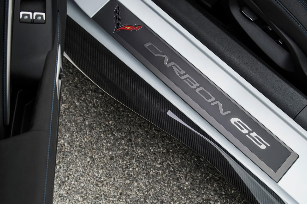 Chevrolet Corvette Carbon 65 Special Edition en México placa interna lateral