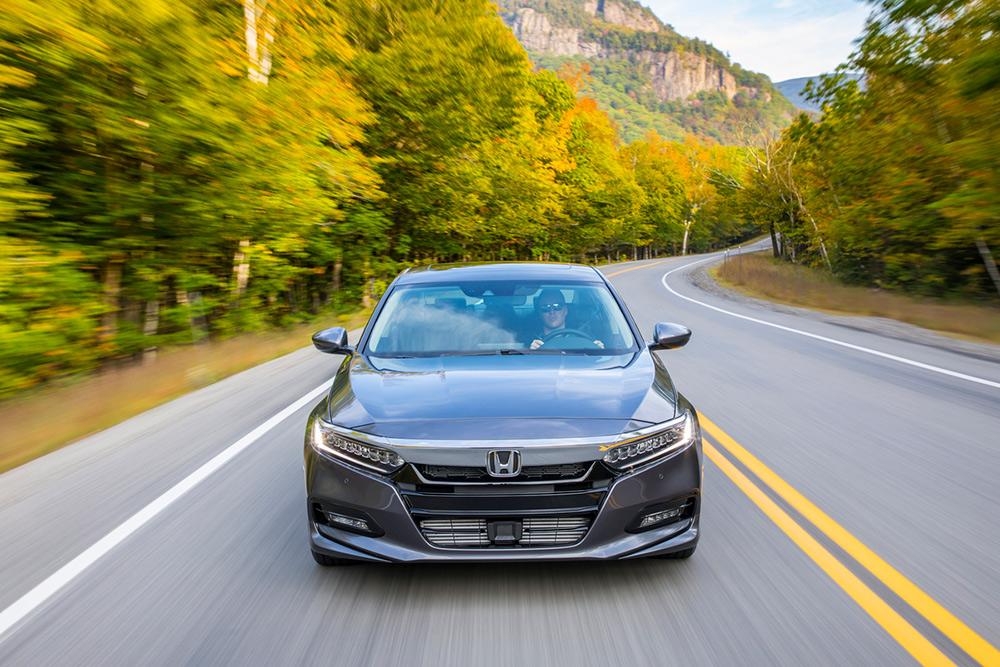 Honda Accord 2018 en carreteraHonda Accord 2018 en carretera