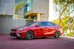 Kia Forte 2019 que llegará a México pronto - exterior lateral color rojo
