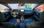 Kia Forte 2019 interiores pantalla touch, botón de arranque