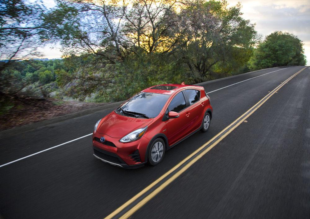 Toyota  Prius c 2018 en México exterior toma en carretera