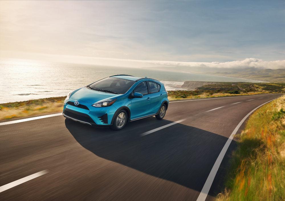 Toyota Prius c 2018 en México - exterior toma en carretera ...
