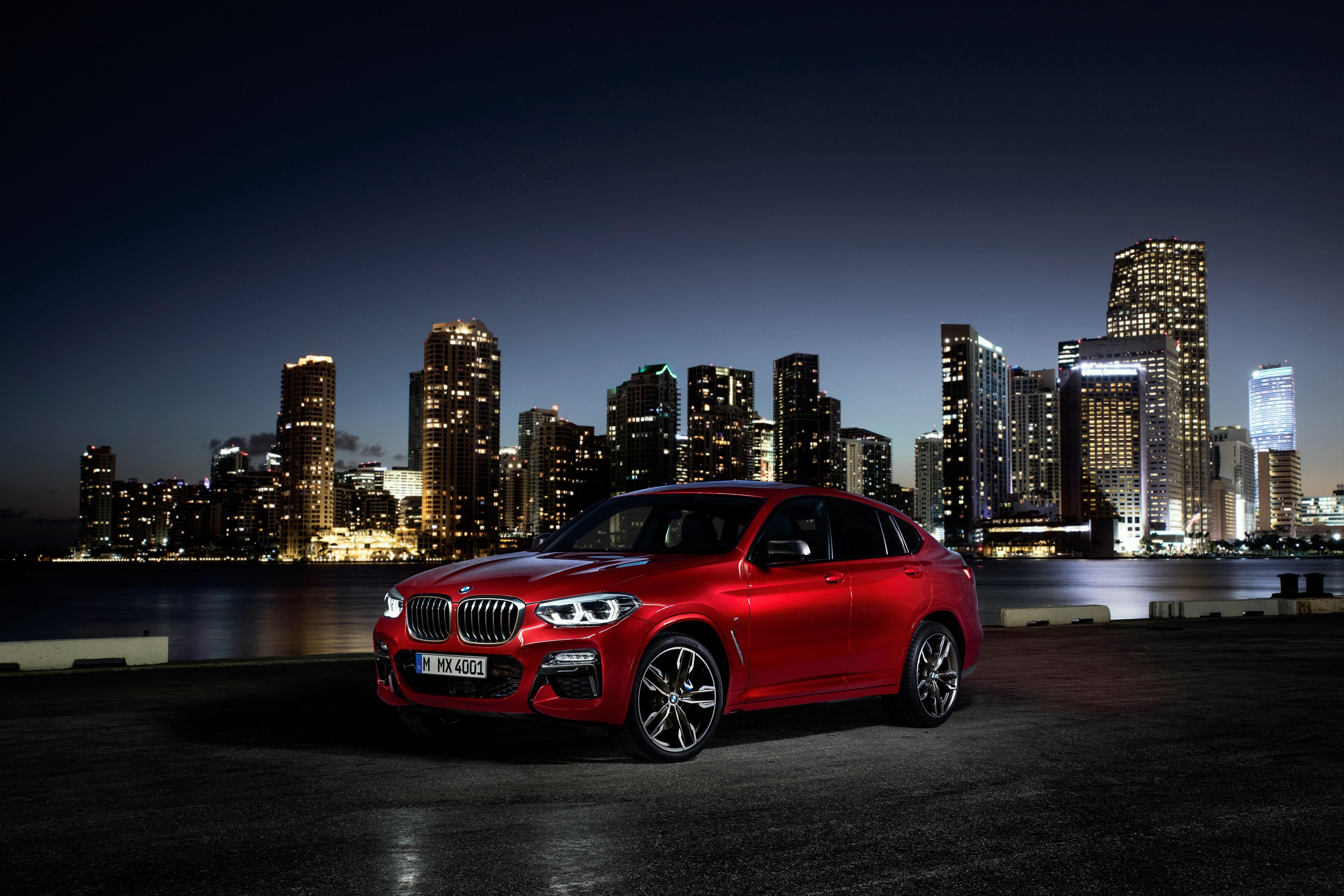 BMW X4 en noche